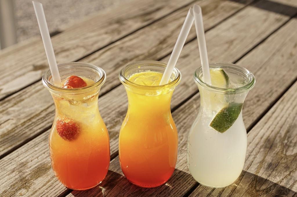 Fresh drinks: juice and lemonade (charity: water)